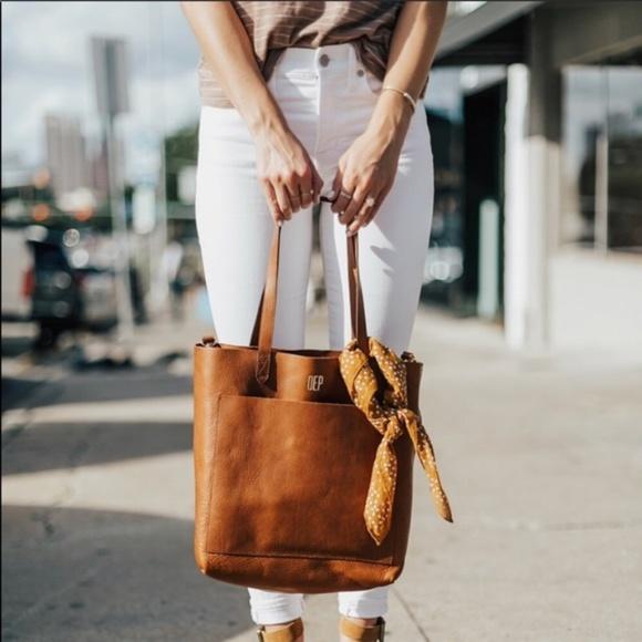 9cb73fdf0cb Madewell Bags | Nwt Medium Tan Leather Transport Tote | Poshmark